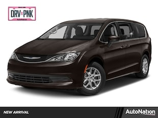 2017 Chrysler Pacifica Touring Mini-van Passenger