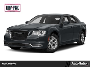 2017 Chrysler 300 Limited 4dr Car