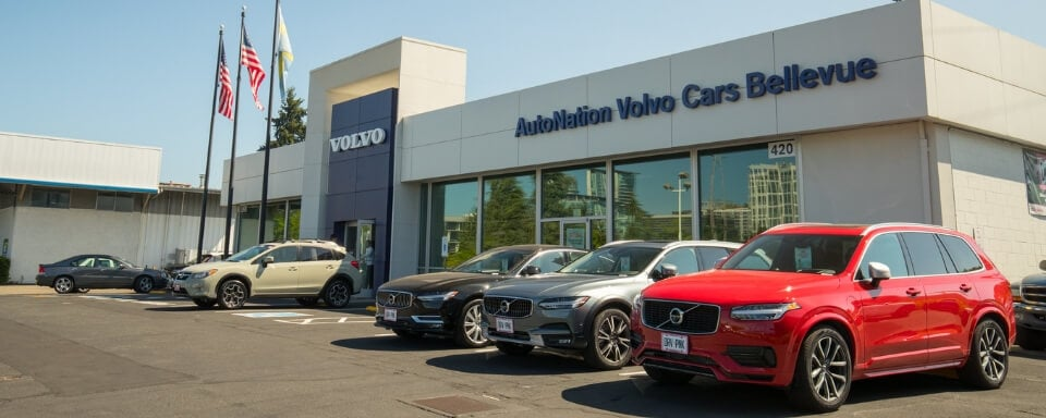 Exterior view of AutoNation Volvo Cars Bellevue during the day