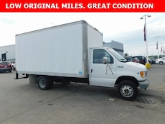 Used 2002 Ford E-350 Cutaway Standard Truck 1FDWE35L32HB40804 for sale in Bremen, IN