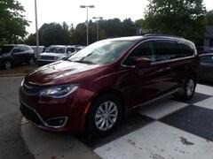 2017 Chrysler Pacifica Touring-L FWD Passenger Van