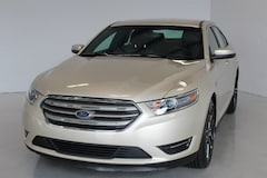 2018 Ford Taurus SEL Sedan 1FAHP2E83JG134637 in Sturgis, MI