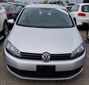 2012 Volkswagen Golf Comfortline, Heated Seats, Clean Carproof!