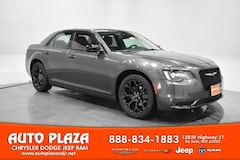 New Chrysler Dodge Jeep Ram 2019 Chrysler 300 TOURING Sedan for sale in De Soto, MO