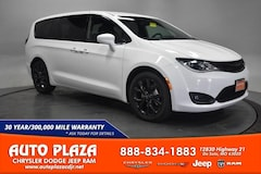New Chrysler Dodge Jeep Ram 2020 Chrysler Pacifica TOURING Passenger Van for sale in De Soto, MO