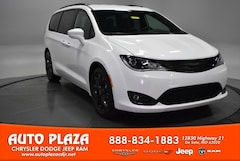 New Chrysler Dodge Jeep Ram 2018 Chrysler Pacifica TOURING L Passenger Van for sale in De Soto, MO
