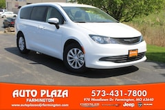 New 2019 Chrysler Pacifica LX Passenger Van for sale in Farmington, MO