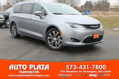 New 2019 Chrysler Pacifica LIMITED Passenger Van for sale in Farmington, MO