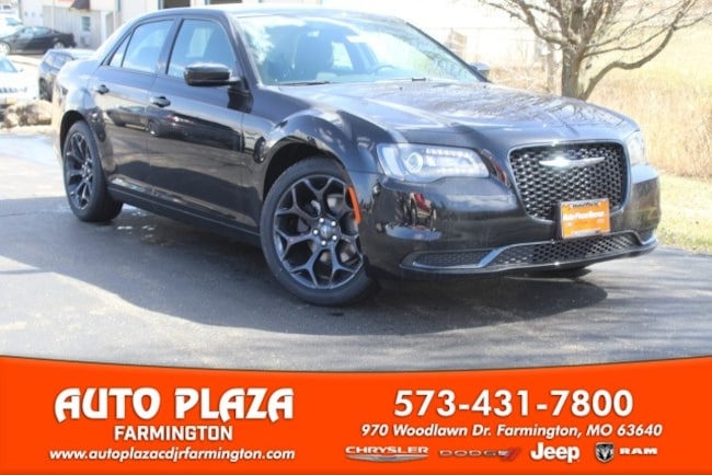 New 2019 Chrysler 300 TOURING Sedan in Farmington, MO