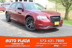 New 2019 Chrysler 300 TOURING Sedan for sale in Farmington, MO