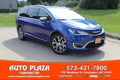 New 2019 Chrysler Pacifica LIMITED Passenger Van 11091 for sale in Farmington, MO