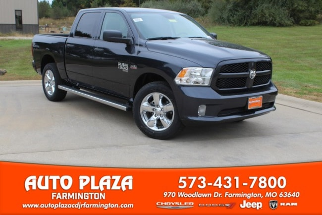 New 2019 Ram 1500 CLASSIC EXPRESS CREW CAB 4X4 5'7 BOX Crew Cab in Farmington, MO