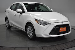 2017 Toyota Yaris iA (Natl) Sedan