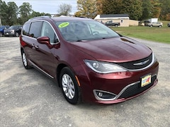 2018 Chrysler Pacifica Touring L Front-wh Passenger Van For Sale in Comstock, NY