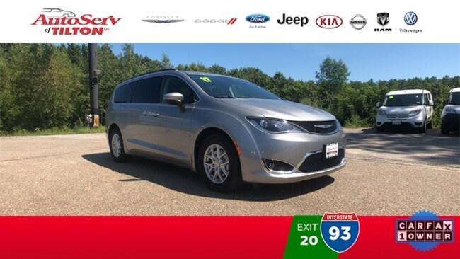 2017 Chrysler Pacifica Touring L Minivan/Van in Tilton