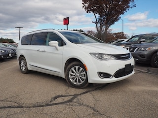 New 2019 Chrysler Pacifica TOURING L Passenger Van