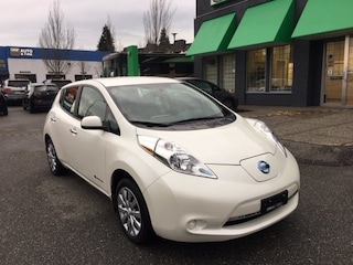 2016 Nissan LEAF S  Quick Charge   Local BC Vehicle   No Accidents Hatchback