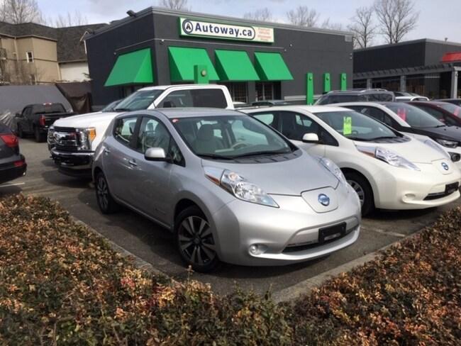 2016 Nissan LEAF SV | Quick Charge | Nav | Heated Seats Hatchback