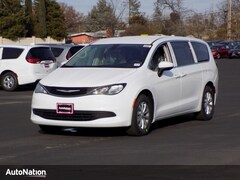 2018 Chrysler Pacifica LX Mini-van Passenger