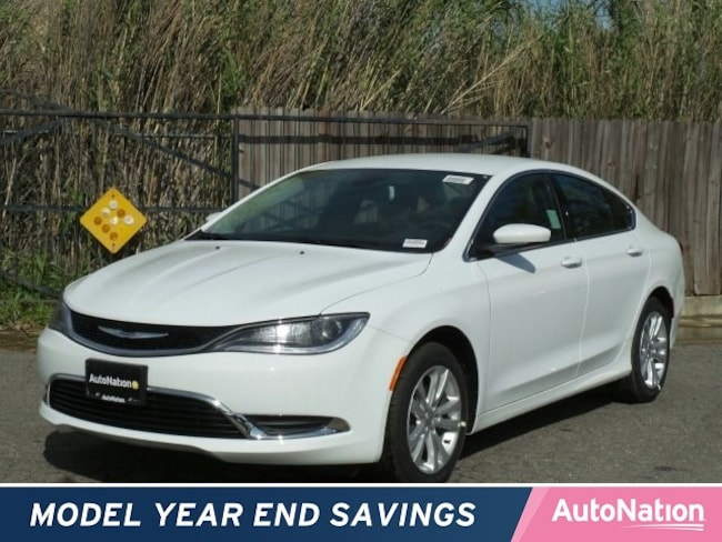2016 Chrysler 200 Limited 4dr Car