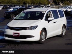 2018 Chrysler Pacifica L Mini-van Passenger