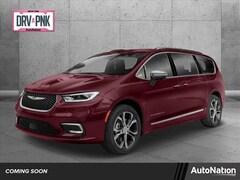 2021 Chrysler Pacifica Limited Van Passenger Van