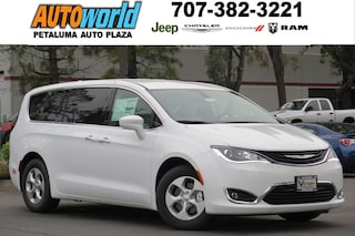 New 2018 Chrysler Pacifica Hybrid TOURING PLUS Passenger Van 26768 Petaluma