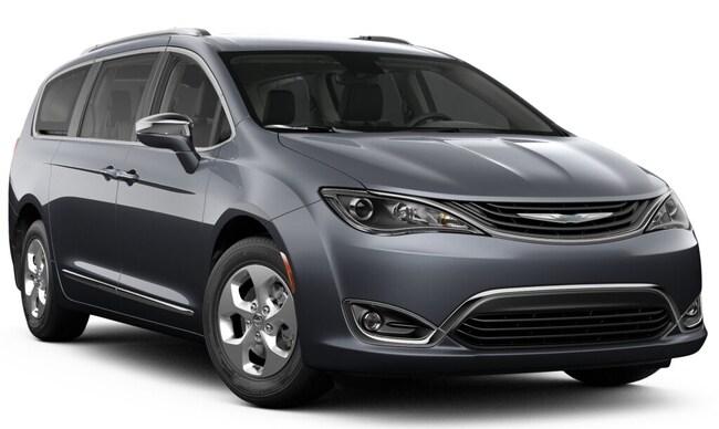 New 2019 Chrysler Pacifica Hybrid LIMITED Passenger Van 27190 Petaluma