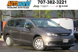New 2018 Chrysler Pacifica LX Van 26235 Petaluma