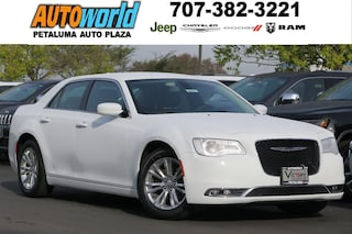 New 2017 Chrysler 300 Limited Sedan 25571 Petaluma