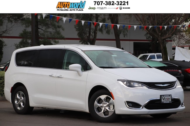 New 2019 Chrysler Pacifica Hybrid TOURING PLUS Passenger Van 27160 Petaluma