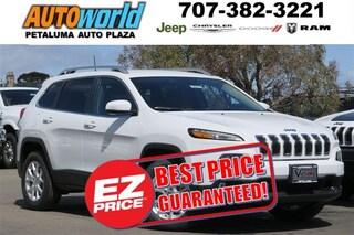 New 2017 Jeep Cherokee Latitude 4x4 SUV 25912 Petaluma