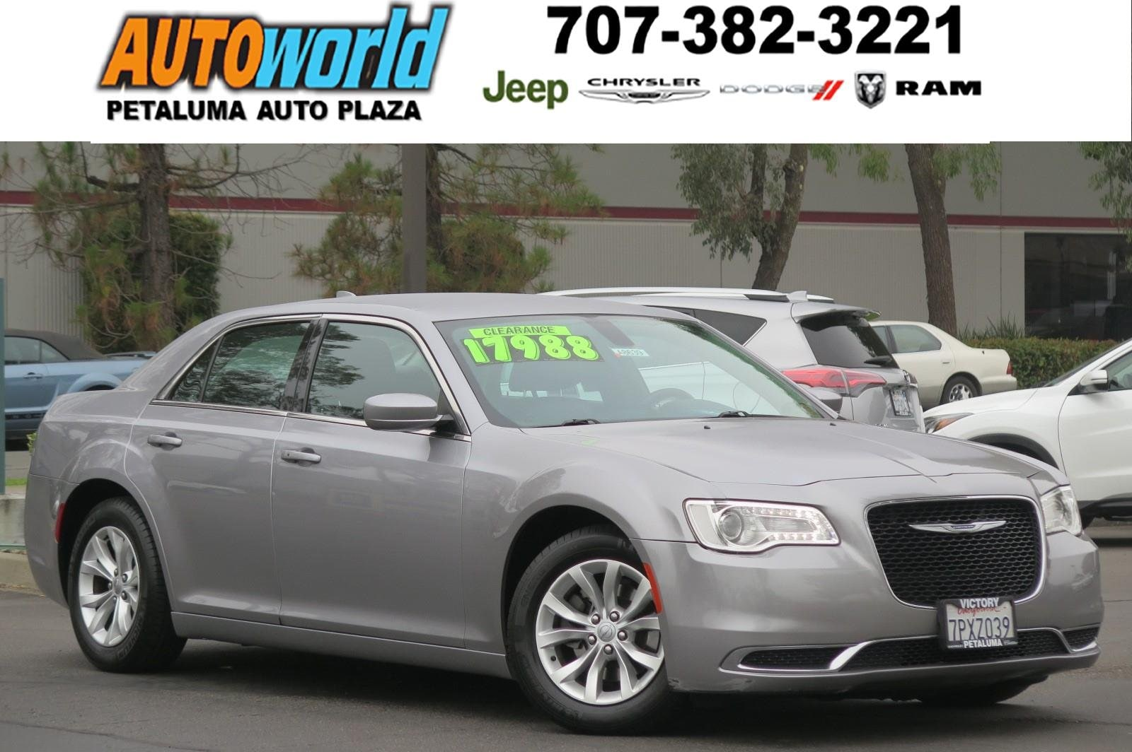2016 Chrysler 300 Sedan