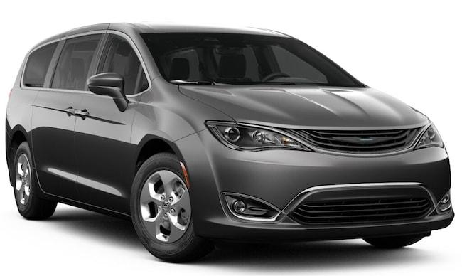New 2019 Chrysler Pacifica Hybrid TOURING PLUS Passenger Van 27160 Petaluma