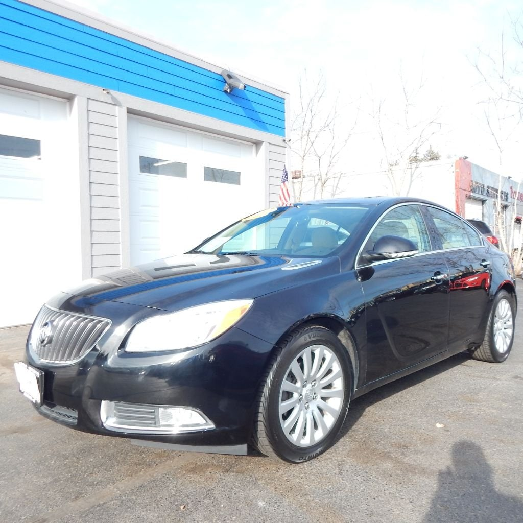 2012 Buick Regal Premium Sedan