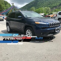 New 2018 Jeep Cherokee LATITUDE 4X4 Sport Utility for sale in Harlan, KY