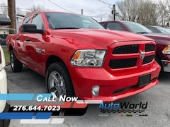New 2017 Ram 1500 EXPRESS CREW CAB 4X4 5'7 BOX Crew Cab for sale in Harlan, KY