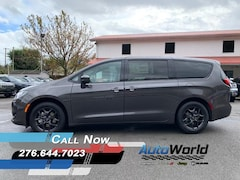 New 2020 Chrysler Pacifica TOURING Passenger Van for sale in Harlan, KY