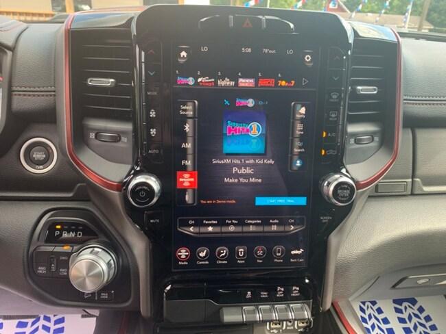 New 2019 Ram 1500 Crew Cab For Sale in Big Stone Gap, VA   Near Kingsport,  TN, Harlan, KY, Whitesburg, KY & Pikeville, KY  VIN:1C6SRFLT8KN910144