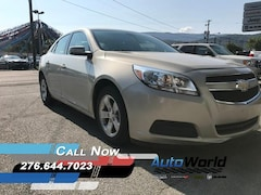 Used 2015 Chevrolet Malibu LT w/1LT Sedan 1G11C5SL0FF312219 for sale in Harlan, KY