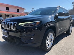 New 2019 Jeep Cherokee LATITUDE 4X4 Sport Utility 1C4PJMCB9KD413921 for sale in Harlan, KY