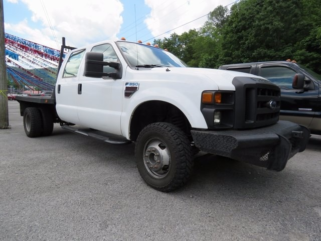 2008 Ford F-350 Chassis Truck Crew Cab