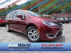 2017 Chrysler Pacifica Touring L Plus Van