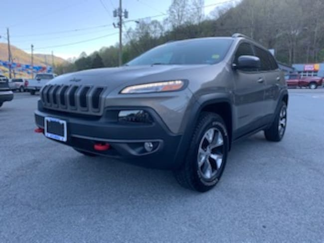 Used 2017 Jeep Cherokee Trailhawk 4x4 SUV in Harlan, KY