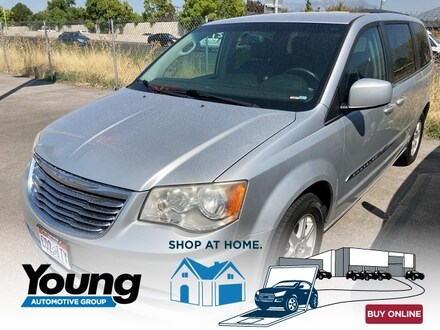 2012 Chrysler Town & Country Van LWB Passenger Van