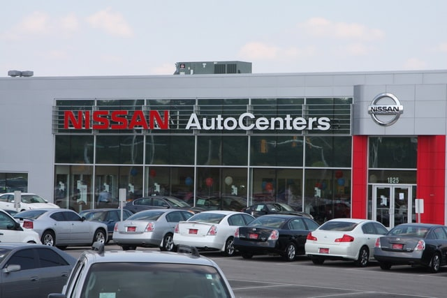 autocenters nissan used nissan dealership in wood river il 62095. Black Bedroom Furniture Sets. Home Design Ideas