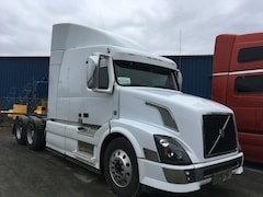2015 VOLVO VNL64T630 with Factory Warranty