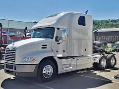 2018 MACK CXU613 Grand Touring