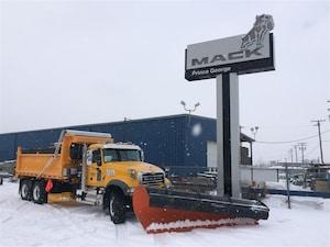 2018 MACK Granite GU713 Snow Plow/Spreader -