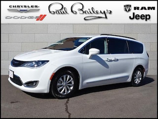 Used Vehicles for sale 2017 Chrysler Pacifica Touring-L FWD Van 2C4RC1BG3HR821335 in North Kingstown, RI